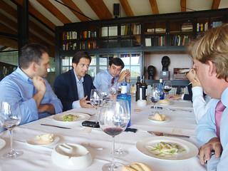 Conversación en la mesa