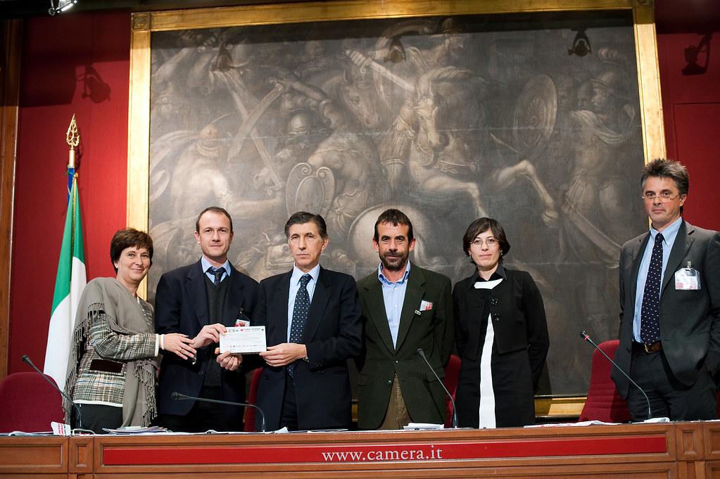 Stand up 2009 consegna risultati al parlamento italiano for Lavorare al parlamento italiano