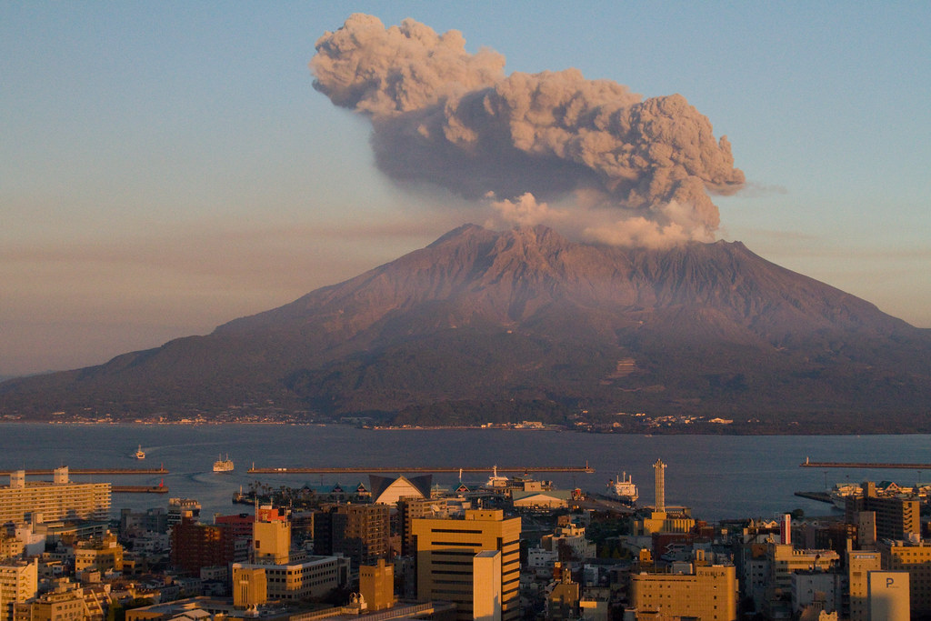 Sakurajima at Sunset | Sakurajima, right across Kagoshima, o… | Flickr