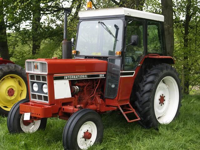 International 584 Farm Tractor | International 584 Farm Trac