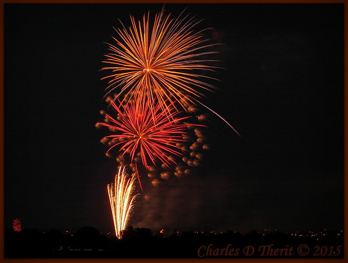 110 180mm 2015 5d 5dclassic 5dmark1 5dmarki 8 8seconds canon colorado coloradosprings ef353503556lusm ef35350mm ef35350mmf3556lusm eos5d explore f11 fireworks july4th kissingcamels nightsky superzoom timeexposure unitedstates usa geo:lat=3888319720 geo:lon=10486092770 geotagged gleneyrie independence day independenceday best wonderful perfect fabulous great photo pic picture image photograph esplora explored