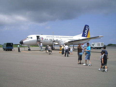 JACのYS-11(種子島空港)