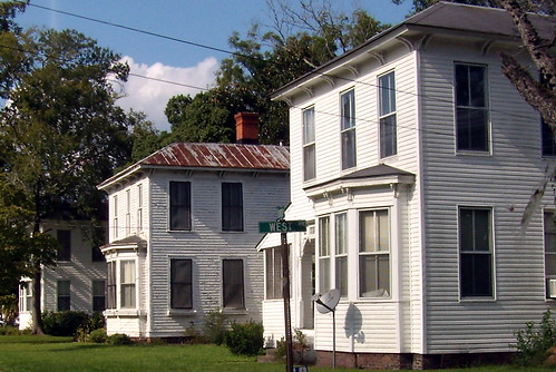 P9270957-Lumber-City-Church-Street-3-in-Row-Detail