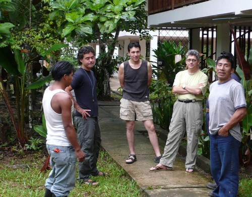 Tue, 01/15/2008 - 20:01 - Yasuni field station. Field staff with Renato Valencia (Yasuni plot leader, second from right).  Credit: CTFS