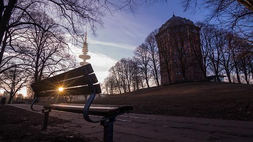 canon 700d lens objektiv tokina 1116 mm ultra wide angle weit winkel ultraweitwinkel hamburg schanzenpark sonne sunrise michel wasserturm bank