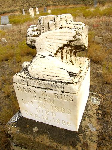 cemetery oregon olex deadmantalking gilliamcounty maryries