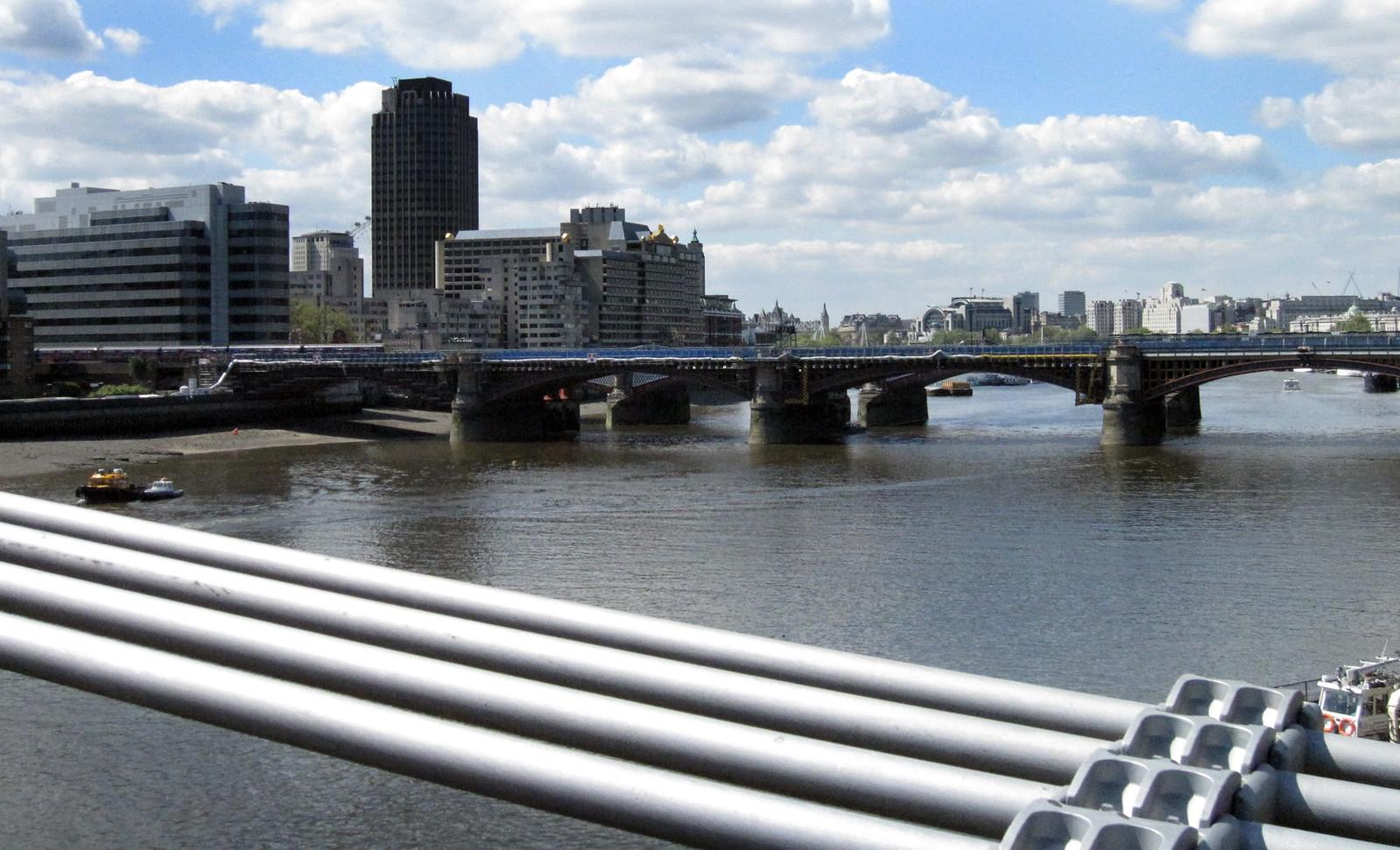 London 405