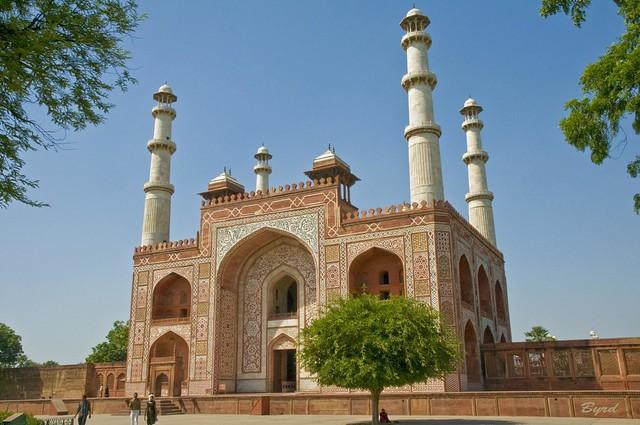 Main Gate exterior, Akbar's Tomb complex, Sikandra, Uttar Pradesh, near Agra