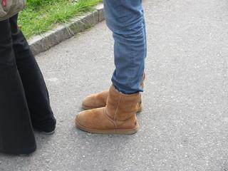 Geneva - Switzerland - 01/11/2009 - So many girls, so many ugg boots! Some love them like their partners! | by || UggBoy♥UggGirl || PHOTO || WORLD || TRAVEL ||
