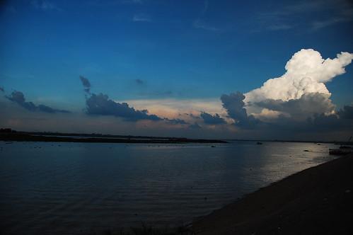 sunrise geotagged cambodia day cloudy khm takêv geo:lat=1158329715 geo:lon=10492149353