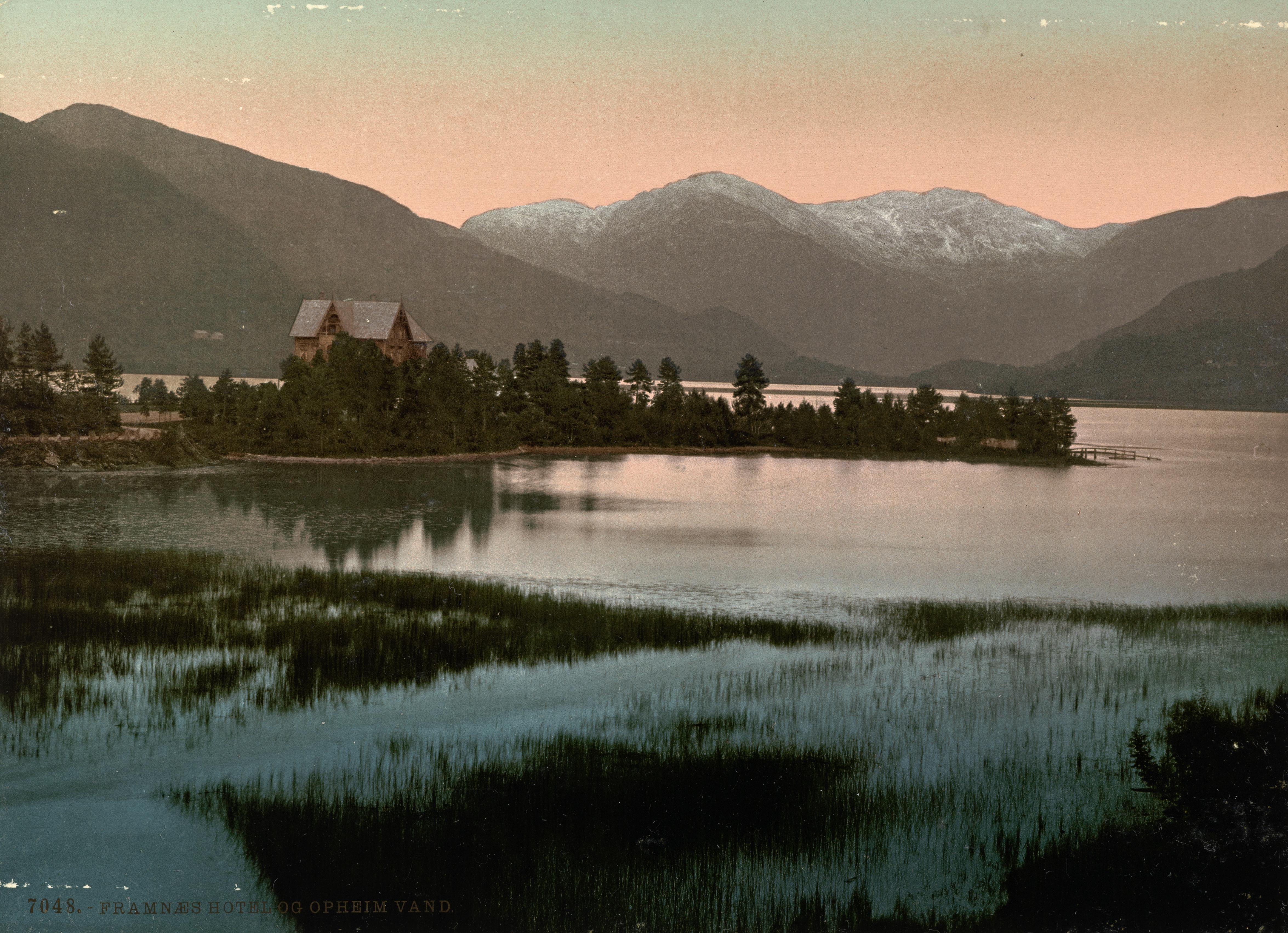 7048. Framnæs Hotel og Opheim Vand