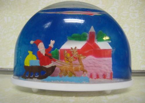 Vintage Christmas Snow Globes.Vintage Christmas Snow Globe Plastic Santa Sled And Reinde