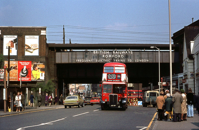 RT2370 on Route 86 at Romford Station May'74