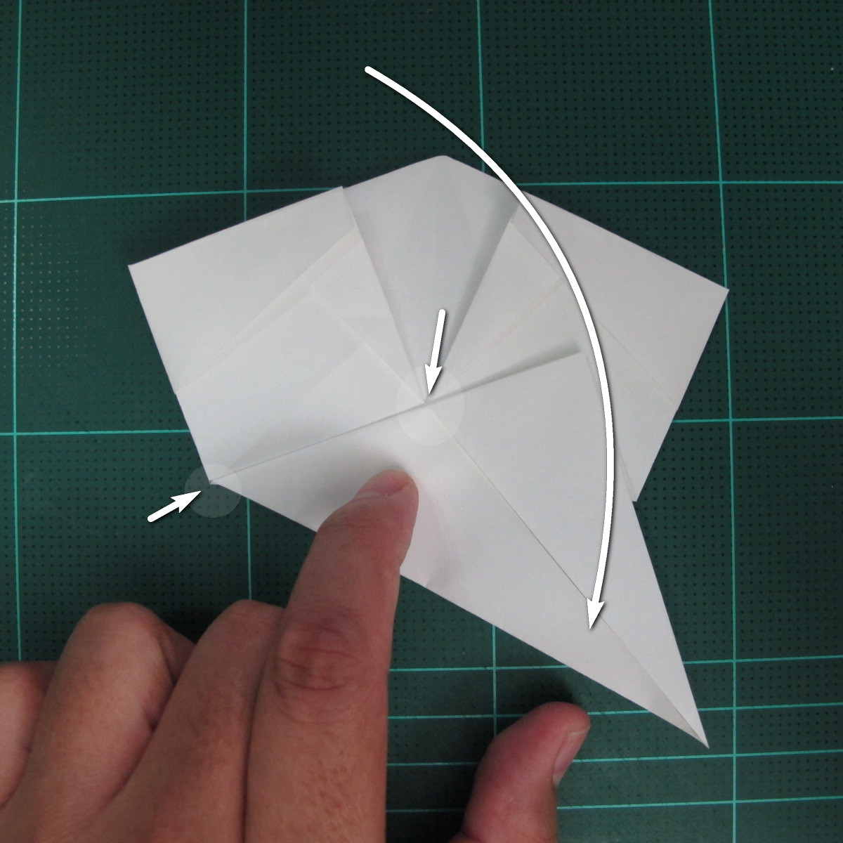 วิธีพับกระดาษเป็นรูปปลาแซลม่อน (Origami Salmon) 024