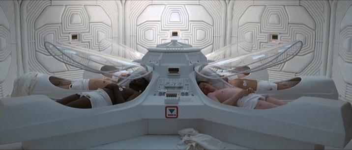 Le réveil des mécaniciens de l'espace dans Alien (Ridley Scott, 1979)