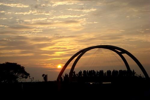 sunset india kerala cochin kochi sonycybershot southindia marinedrive keralatourism estremità dscw35 flickrestrellas expressyourselfaward