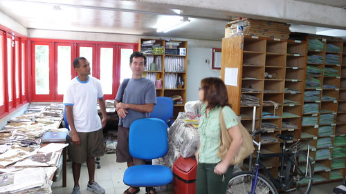 Sat, 02/23/2008 - 00:04 - Joao Batista, Beto Vicentini and Regina Luizao discuss plot taxonomy in BDFFP herbarium, INPA, Manaus. Credit: CTFS