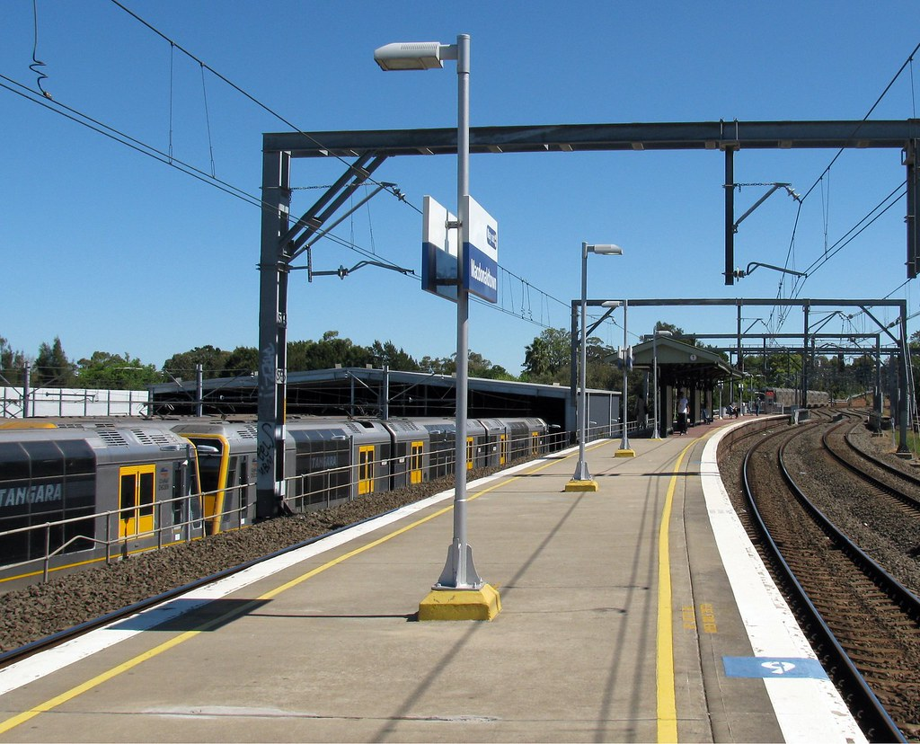 Macdonaldtown Railway Station, Macdonaldtown, Sydney, NSW by dunedoo