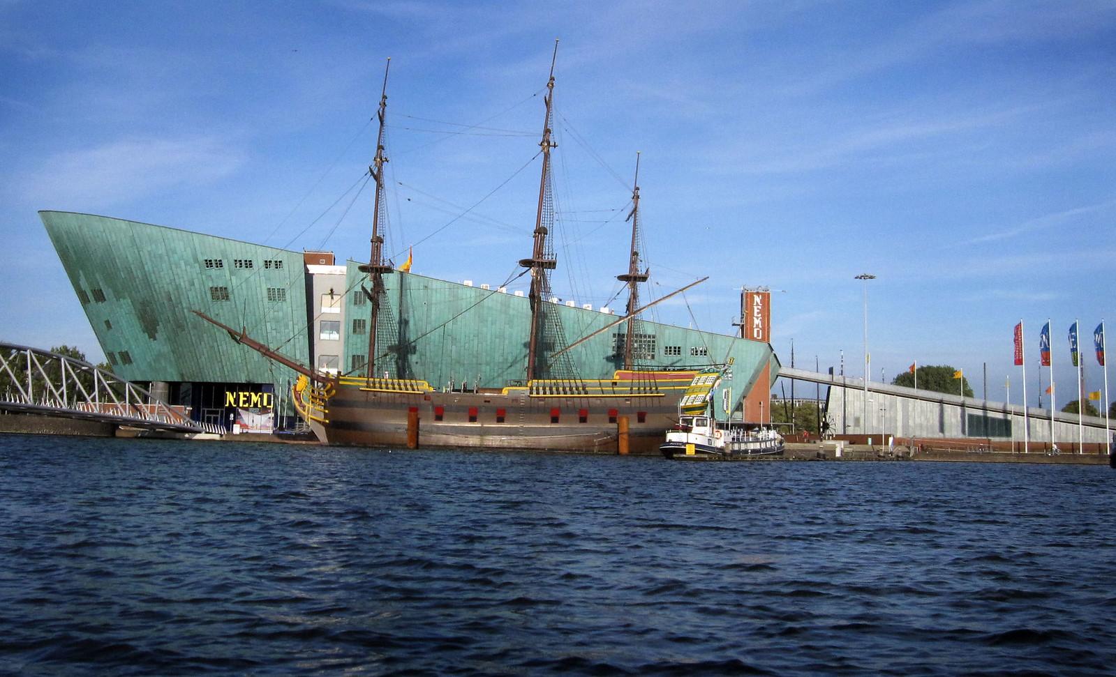 Amsterdam 142