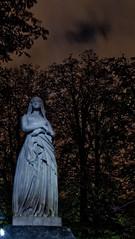 Jardin du Luxembourg - Statue de Sainte Geneviève