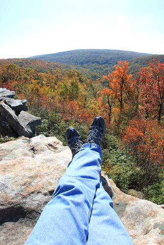 sky fall colors leaves clouds rocks trails foliage vista overlook rockformation wolfrockstrail laurelsummitstatepark
