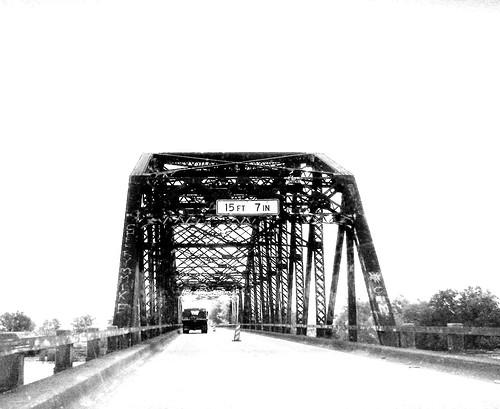 truss jasper texas neches river construction bridge jaspercounty nationalregister historic places black white blackandwhite blackwhite bw b w pontist united states north america