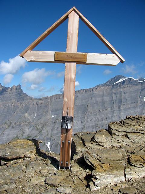 Gipfelkreuz Majinghorn , Kanton Wallis , Schweiz