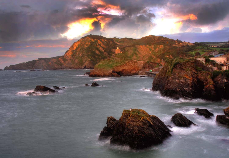 Ilfracombe,sunset,dorset,uk,britain,rocks,seascape,spray,surf,sky,coast,north,northdorset,365days,sea,scape,out,land,hills,warm,light,dusk,dawn,cloud,detail,evening,summer,windy,wind,waves,slow,exposure,long,tripod,HDR,high dynamic range,tonysmith,tony,smith,noche,nuit,hotpix!,#tonysmithhotpix
