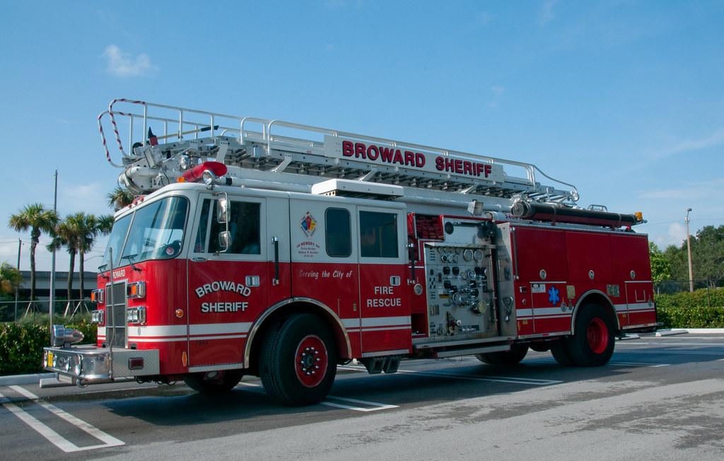 Broward Sheriff Fire Rescue, FL - Pierce Lance Tele-Squrt