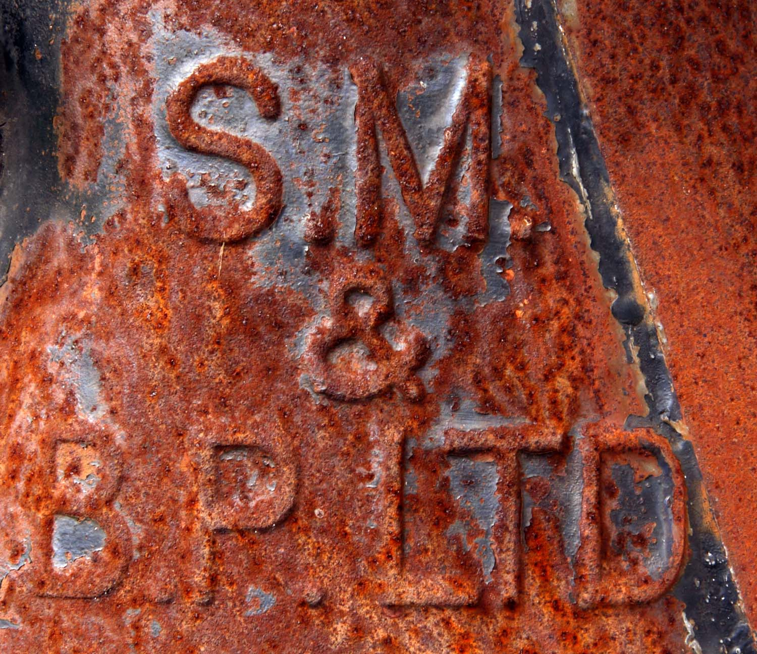 Shell Mex,SM BP SMBP Ltd,Milk,Churn,old,antique,SM,BP,SMBP,Ltd,SMBPLTD,oil,can,container,rusting,rust,steel,zinc,galvanised,red,365days,www.thewdcc.org.uk,thewdcc.org.uk,wdcc.org.uk,Warrington,society,District,Camera,club,photographic,photography,SLR,DSLR,group,GYCA,Bellhouse,bellhouse Club,rot-rosso-rouge-rood,stillife,stilllife,still,life,hotpix!