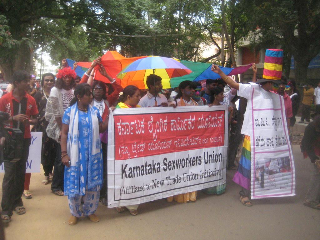 bangalore pro gayy můžete zapojit do auta zesilovač ve vašem domě