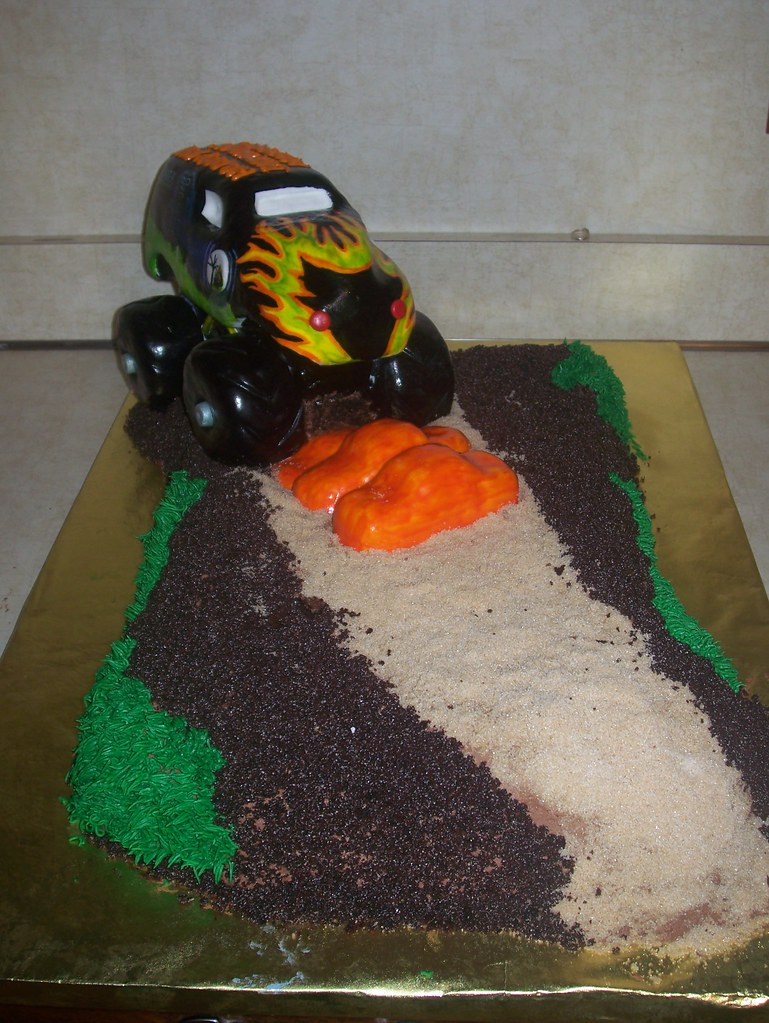 Wondrous Grave Digger Monster Truck Cake All Edible Cake With Edibl Flickr Funny Birthday Cards Online Alyptdamsfinfo