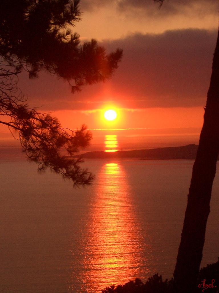 Costa da morte atardecer | Luz de fuego y ambar se oculta en… | Flickr