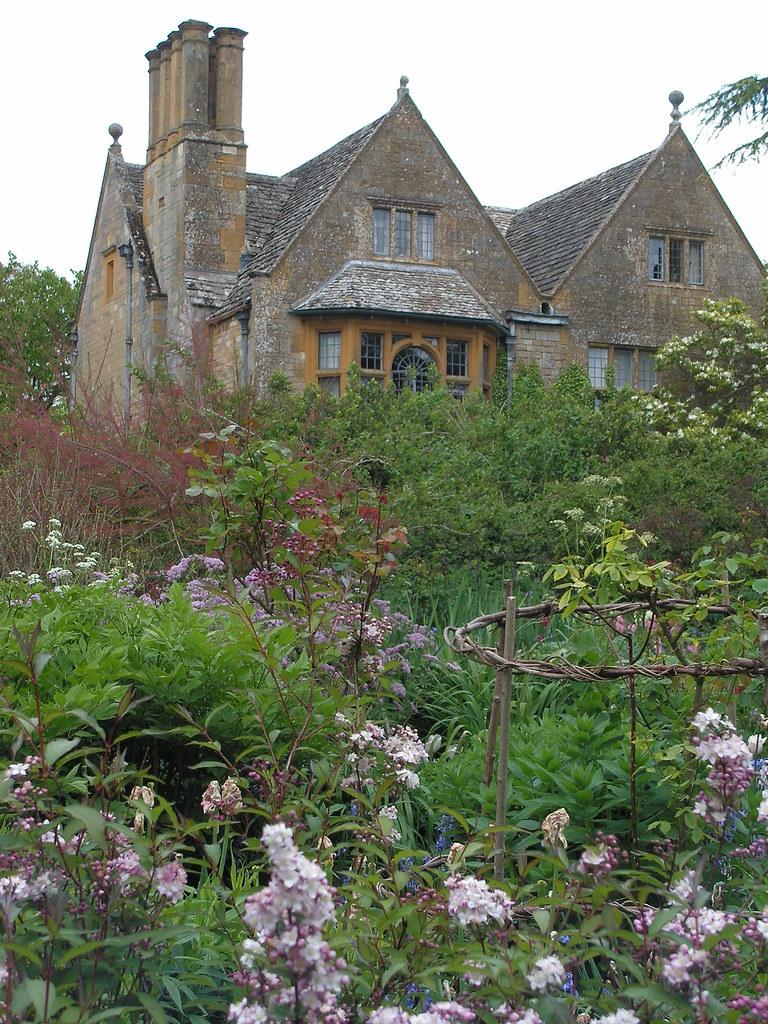 Astounding Flowers And Manor House Hidcote Manor Gardens Gloucesters Download Free Architecture Designs Rallybritishbridgeorg