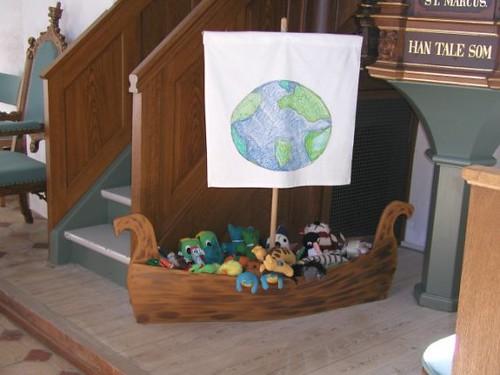 Legeskib til børnene i Sædder Kirke | by Saedder Kirke