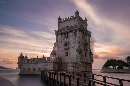 tramonto sunset lisboa lisbona belém torre tower fiume river tago europa portogallo portugal nikon d3100 photo foto nuvole clouds long exposure lunga esposizione colors colori