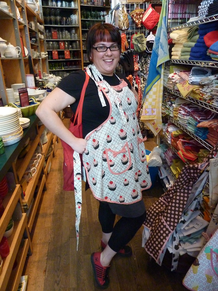 Trying On Aprons In Sur La Table Pike Place Market Seattl
