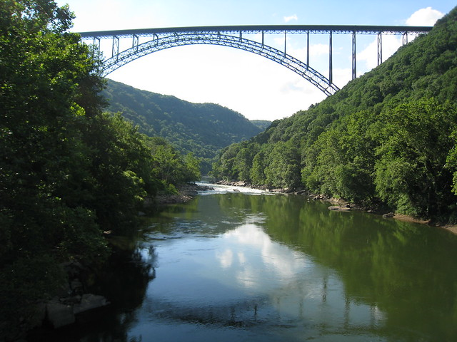 2009_06_30 15_44_22z - single arch bridge over New River Gorge, Fayetteville - L