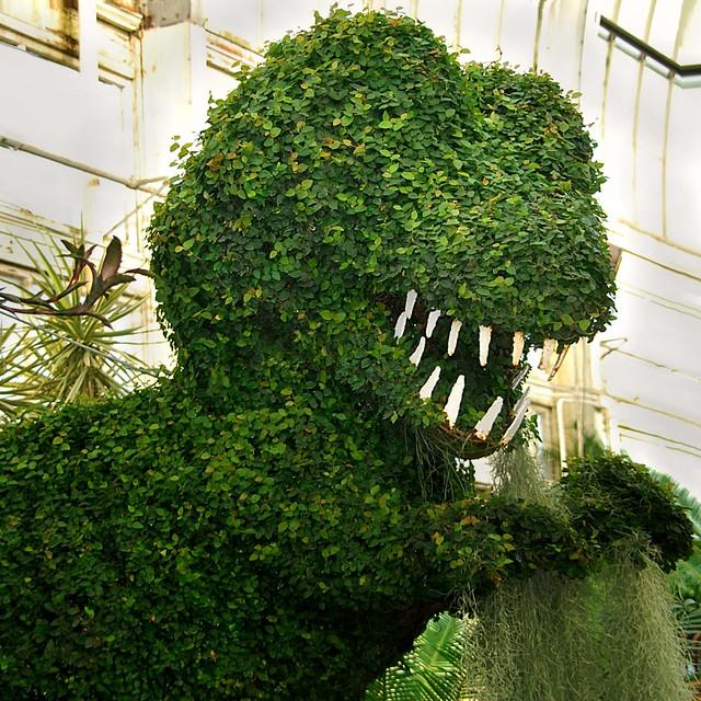 Tyrannosaurus in topiary