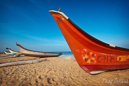 Boats on beach. Chennai, India | by Dmitry Rukhlenko Travel Photography