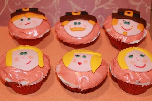 thanksgiving cupcake pilgrims | by MiraUncutBlog