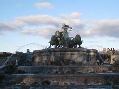 Amazing fountain | by jetsetwhitetrash