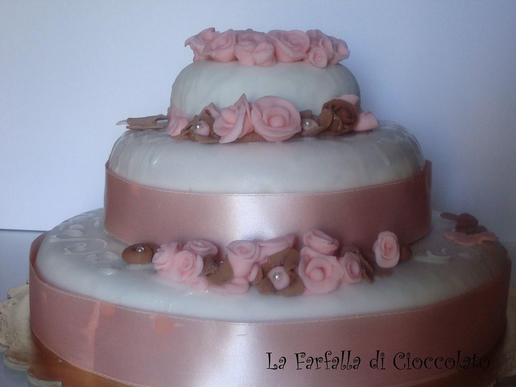 Torta Compleanno Laura.Torta A Due Piani La Torta Del Mio Compleanno Qui Laura