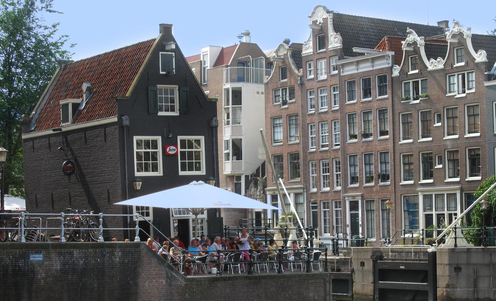 Amsterdam 545