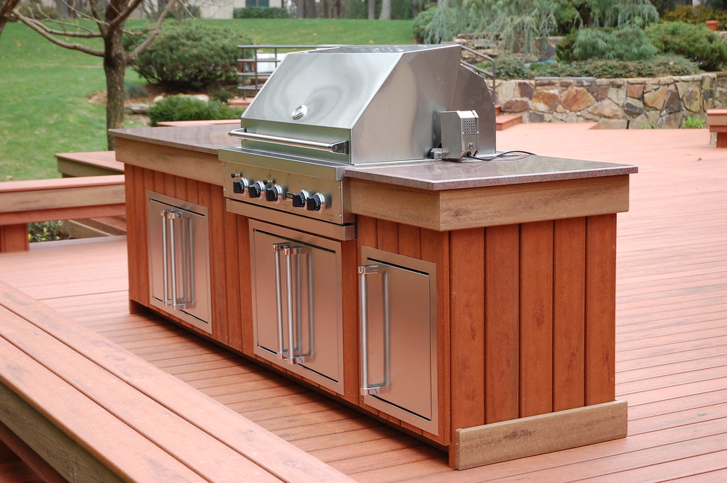 Custom Viking Outdoor Kitchen | Viking grill, custom composi ...