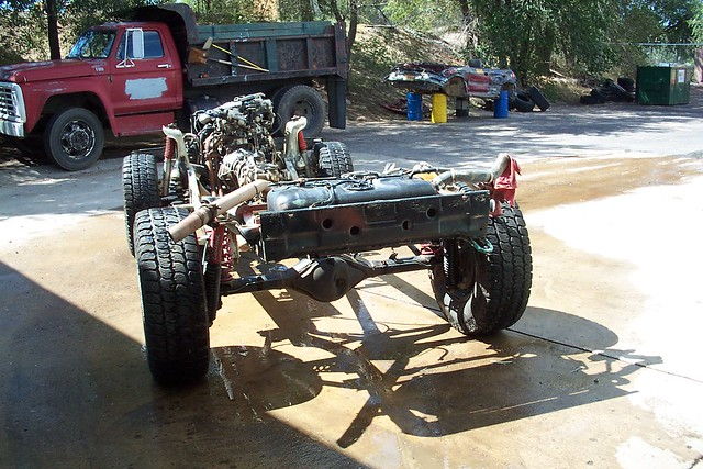 SUZUKI SIDEKICK ROLLING CHASSIS  REAR VIEW