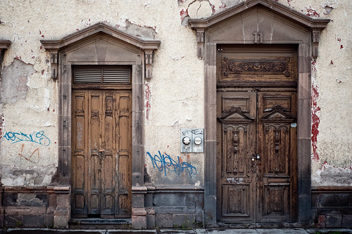 street door old urban mexico calle cafe puerta madera chocolate antigua graffitti antiguo