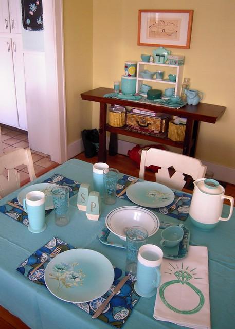 Jan 2010 vintage blues table setting