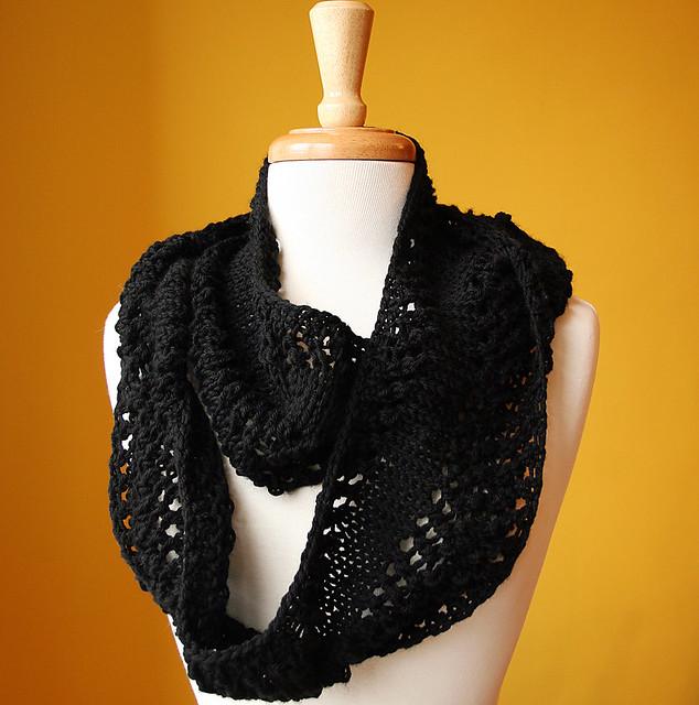 Paola Knit Cowl (Merino Wool)