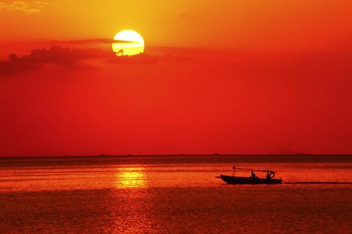 sunset philippines filipino cgb manilabay teleconverter pinoy tagalog ncr bangka takipsilim malatemanila nikkor70200f28vr d700 mandaragat gitzogt1541 nikkortc17x